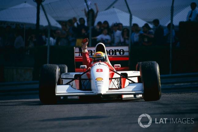 f1-monaco-gp-1993-ayrton-senna-mclaren-wins-2